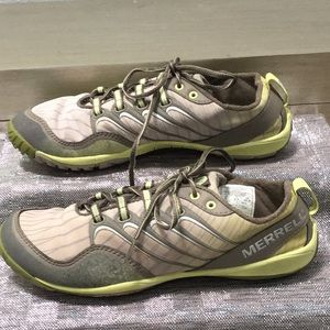 Merrell woman's size 8 sneaker